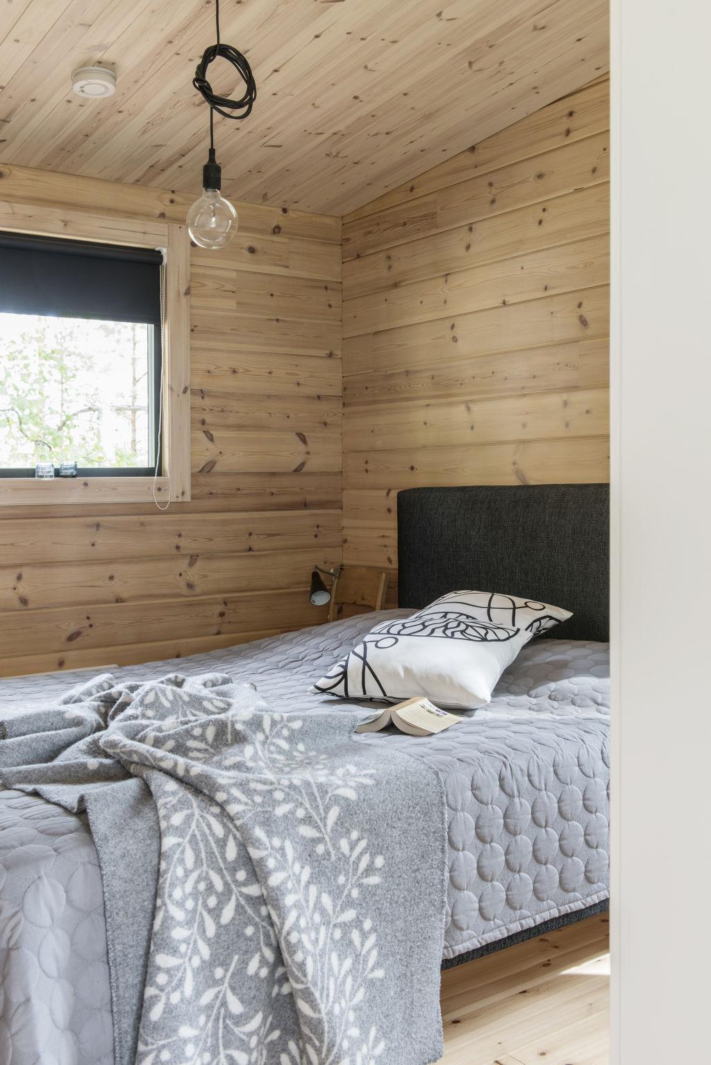 Hirsitalo makuuhuone