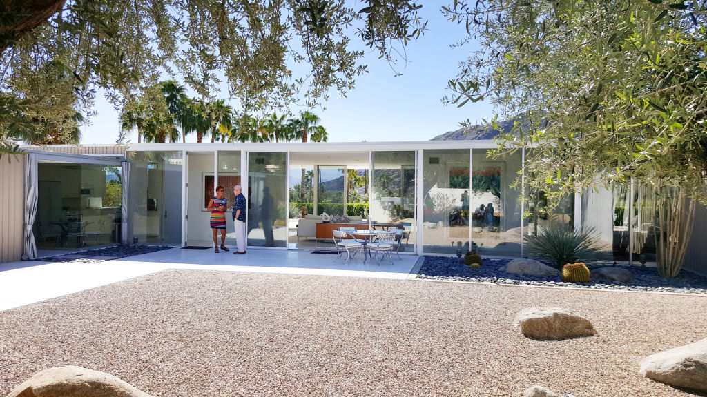 Kontio modernism week design visual visuaalinen glass house palm springs