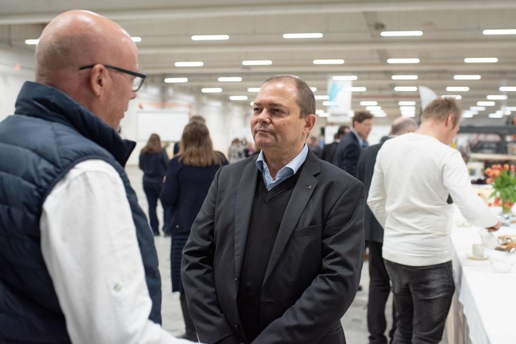 Kontion Sveitsin arkkitehti Jean Michel Martignoni (vasemmalla) ja Ranskan vientipäällikkö Pierre Vacherand.
