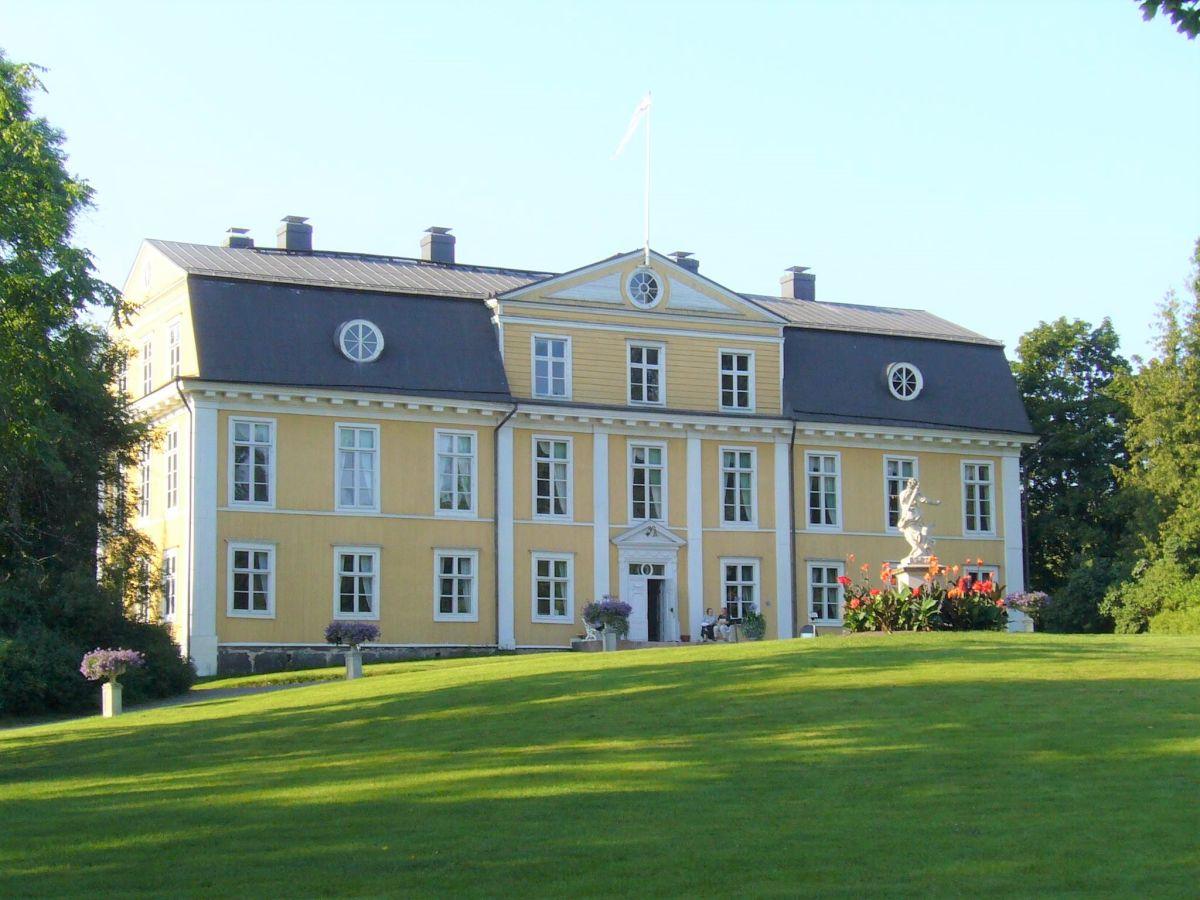 Mustio Manor