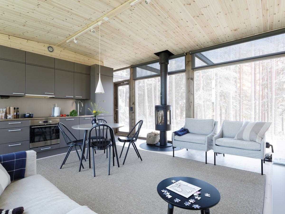 Kontio Glass House -huvila Nurmijärven näyttelyalueella