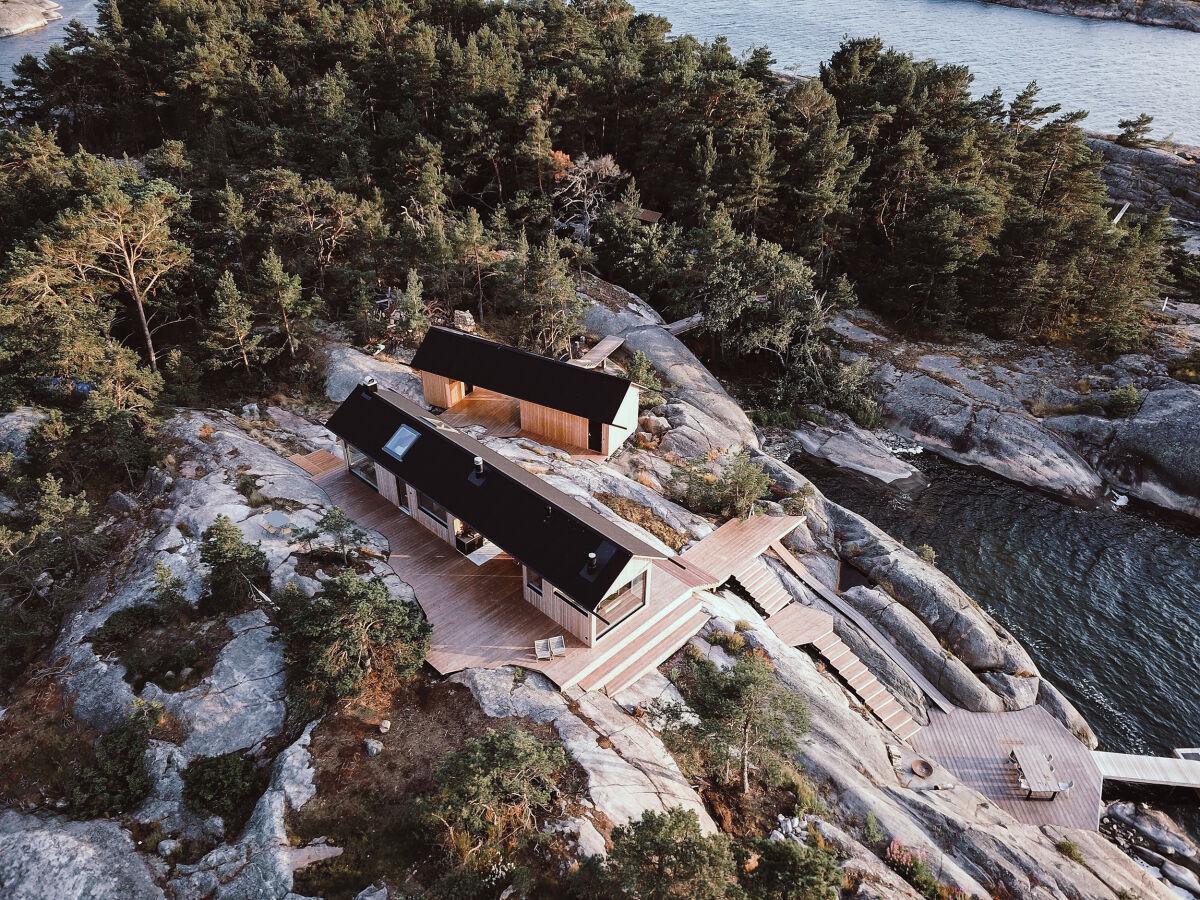Project Ö - huvila saaressa.